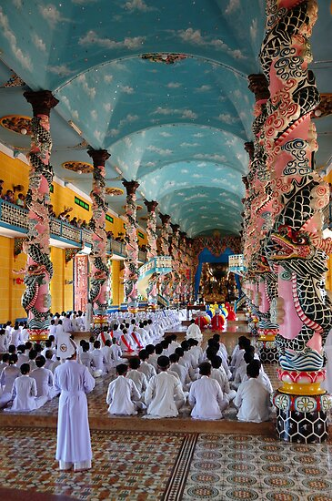 Cao Dai Temple, Midday Service by chriso