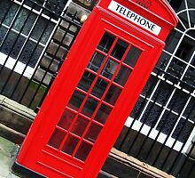 Red Phone Box by eefy