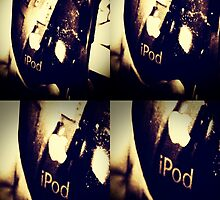 Quattro iPod Touch reflection by vlamas