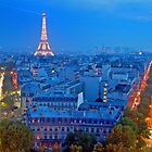 Eiffel Tower by Tomasz Juszczak