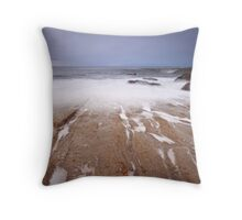 Incoming wave Throw Pillow