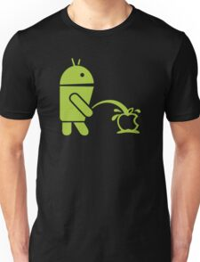 Android peeing apple T-Shirt
