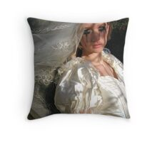 runaway bride 02 Throw Pillow