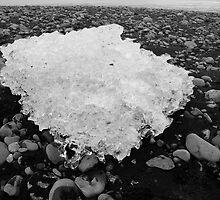 Ice, Jökulsárlón, Skaftafell, Iceland in Black & White by hinomaru