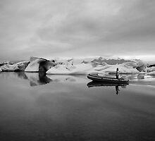 Boat at Jökulsárlón, Skaftafell, Iceland in Black & White by hinomaru