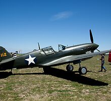 VH-HWK Curtiss Wright Corp P-40 Warhawk by Ian Creek