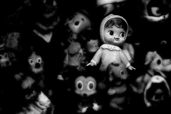The Story of a Lost Childhood by Snežana  Knežević