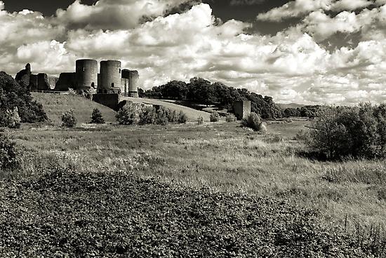 Rhuddlan Castle by Kelvin Hughes
