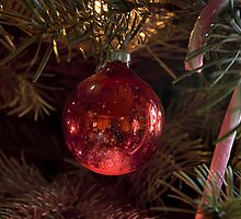 Ball and candy cane by Steve plowman
