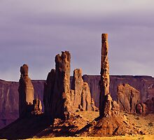 Totem Pole and Yei Bi Chei by Nickolay Stanev