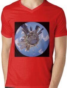 Brisbaneworld Mens V-Neck T-Shirt