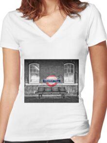 Grange Hill Tube Station Women's Fitted V-Neck T-Shirt