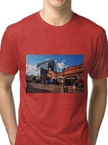 Hammersmith (Circle & Hammersmith&City) Tube Station Tri-blend T-Shirt