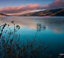 Lake Eildon Morning Colors by dazzleng