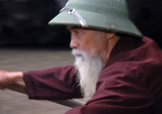 Vietnam - Around Hanoï - World's people by Thierry Beauvir