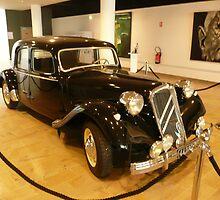 De Gaulle's car by bubblehex08