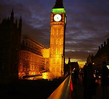 Big ben by night by Régis Charpentier