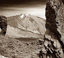 Mount Teide Tenerife by Kelvin Hughes