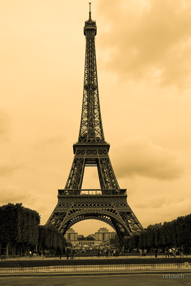 Eiffel tower - vintage photograph by retouch