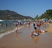 un día en la playa, Pto. Marquez, Mexico by Allen Lucas