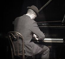 Piano Man by pessenfeld