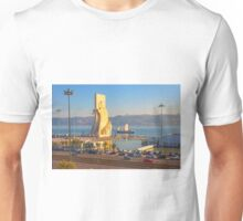 Monument to the Portuguese Discoveries. Tagus river. Lisbon Unisex T-Shirt