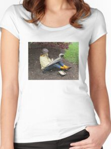 Sketching Under The Red Maple (Close-up) Women's Fitted Scoop T-Shirt