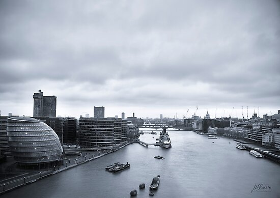 River Thames from Tower Bridge by Mario Curcio