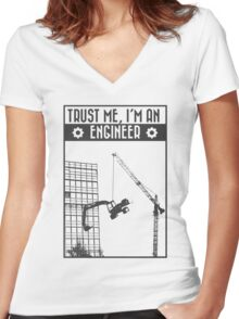 Trust me, I'm an engineer Women's Fitted V-Neck T-Shirt