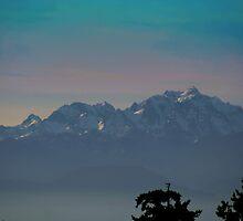 Mountainous Glow by starlitewonder