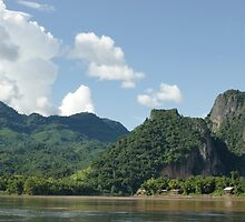 an awe-inspiring Laos landscape by beautifulscenes