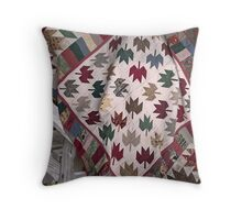 maple leaf quilt Throw Pillow