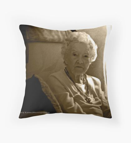 sunlit portrait Throw Pillow
