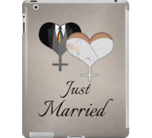 Just Married Dress and Tux Hearts Tie iPad Case/Skin