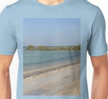 a stunning Qatar landscape Unisex T-Shirt