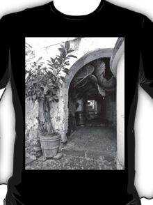 Agropoli: view alley T-Shirt