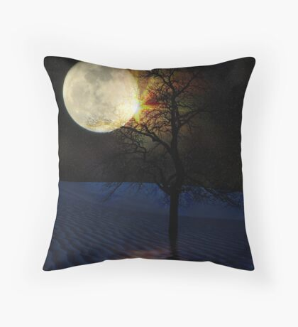 Reflections Of An Alien Eclipse Throw Pillow