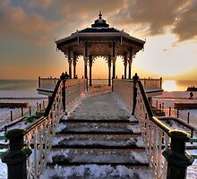 Bandstand II by zumi