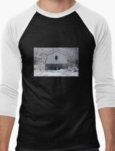 Old Barn after the Snow Men's Baseball ¾ T-Shirt