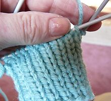 Klickity Klack..Knitting a Glove by MaeBelle