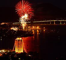 New Years Eve Hobart 2009-10 by Chris Cobern