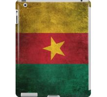 Old and Worn Distressed Vintage Flag of Cameroon iPad Case/Skin