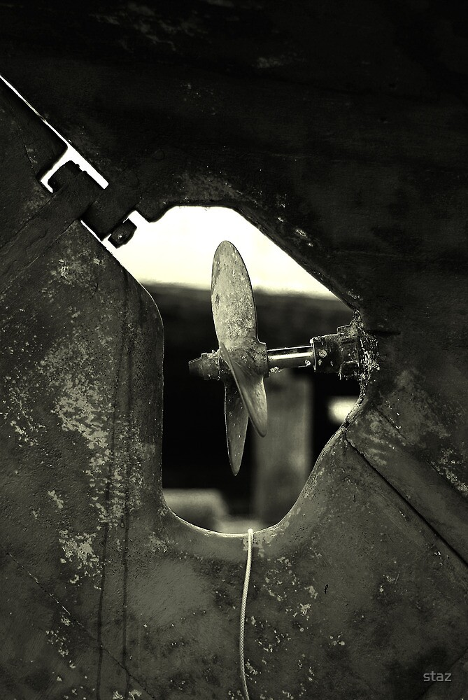 propeller_bw by staz
