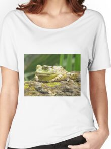 Huge Hoppy Toad Women's Relaxed Fit T-Shirt