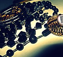 black and gold by hpyroli