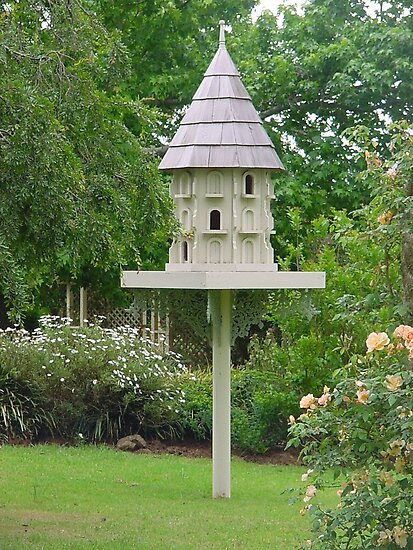very handsome birdhouse by BronReid