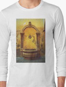 Siena, Tuscany, Italy - peeling paint Long Sleeve T-Shirt