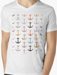 Vintage retro sailor girly floral nautical anchors Mens V-Neck T-Shirt