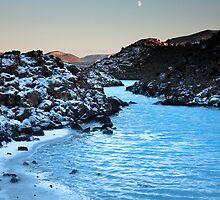 Lagoon Moon by magnetik