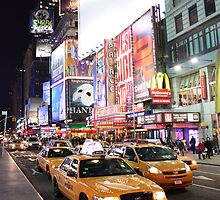 Time square madness by Klempkephoto